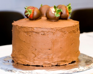 chocolate covered strawberry cake_1