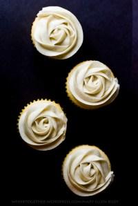 vanilla bean cupcakesCR